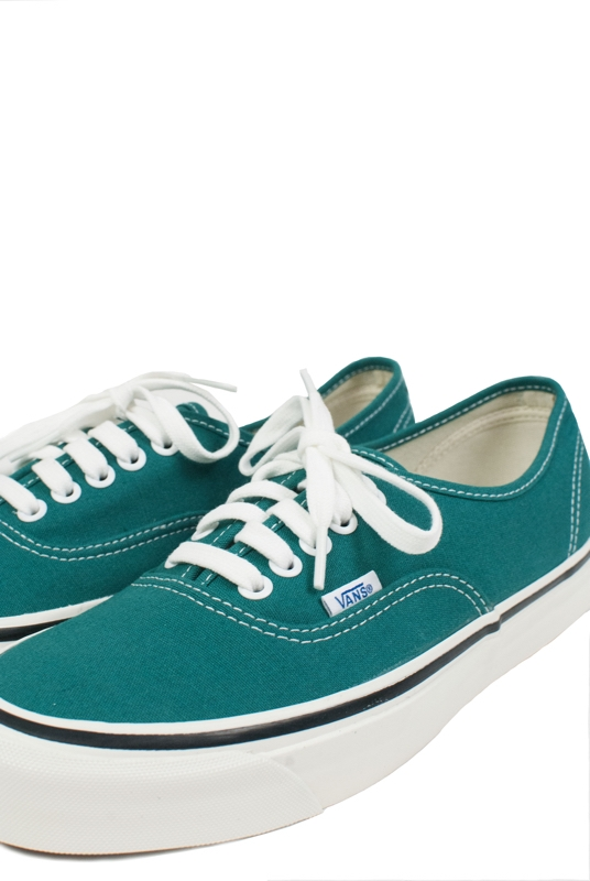 AUTHENTIC 44 DX | EMERALD